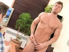 Long time since I've played with my tricked cards... This time, my bait is young bodybuilder Brad. One of the sexiest model on Maskurbate is back daddy gay porn