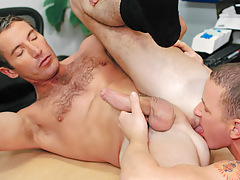 Aiden rims and relaxes Joe's asshole before plunging on in !
