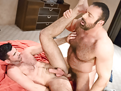 Manly buds Brad & Billy rub & grind their fur as one
