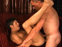 Hot gay dudes sucking and fucking hard in this video !