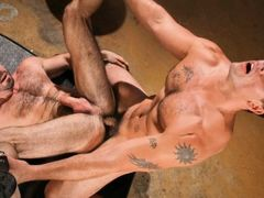 Derek Atlas gets his heart pounding, speeding out on the deserted highway; now he has a need for some hole-pounding action! Back at the Auto Erotic Sh daddy gay porn
